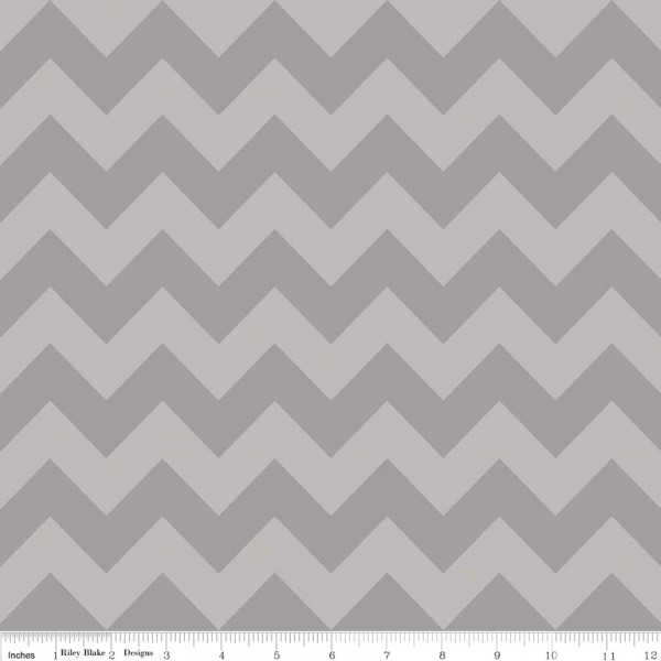 Medium Chevron Tone on Tone Gray (C380-41 GRAY) von Riley Blake