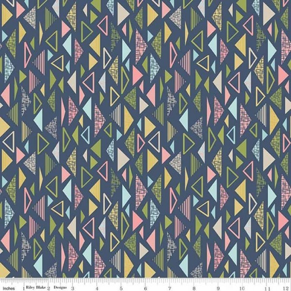 Sew Retro Triangles (C8715-NAVY) von Riley Blake
